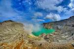 Топ 10 удивительных вулканических озер в  мире
