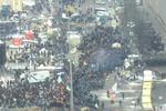 Евромайдан-2013: Митингующим раздают теплые вещи