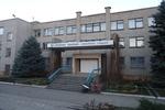 В Донбассе незнакомец на синем авто дежурит у школы и предлагает детям покататься