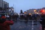Утро на киевском Евромайдане: люди поют гимн и ждут поддержки