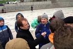 Попов пообещал митингующим туалеты и палатку для обогрева