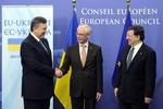 Украина продолжает переговоры с ЕС и с Россией – эксперт