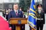 Янукович аплодирует украинцам, вышедшим на митинг за евроинтеграцию