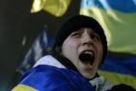 К Евромайдану присоединяются футбольные фанаты