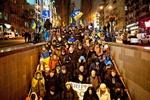 На Евромайдане люди греются у бочек, поют и делают фото с грустным Таможенным союзом