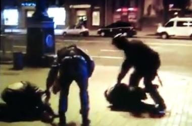 <p>На Майдане избили активистов. Скриншот с видео журналиста<span>Johannes Wamberg Andersen</span></p>