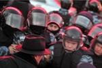 Источник: В Киев стягивают внутренние войска