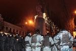 Взрывпакеты и дымовые шашки: Как милиция защищала Ленина
