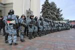"""Как """"Беркут"""" охранял депутатов от митингующих"""