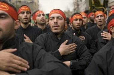 Иранские солдаты. Годовщина смерти пророка Мухаммеда. 13 марта, площадь Революции в Тегеране. Фото: Reuter