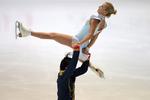 Фигурное катание: экс-украинка выиграла короткую программу в финале Гран-при