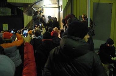 Майдан онлайн - штурм Банковой - видео