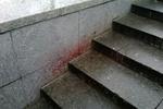 На Майдане до сих пор не вытерли кровь умершего мужчины