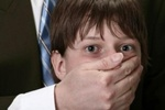 В Крыму педофил-иностранец прятал раздетого ребенка в диване