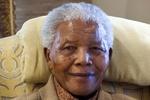 Евромайдан почтил память Нельсона Манделы минутой молчания