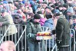 """В кафе возле Майдана активно разбирают горячие супы, а в """"Глобусе"""" ждут конца протестов"""