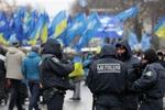 """Как регионалы с милицией митинговали """"за Януковича"""""""