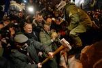 В КГГА завтра решат судьбу сверженного Ленина