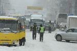 Снег остановил движение в Киеве, таксисты отказываются брать клиентов
