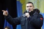 Майдан оцепили бойцы внутренних войск