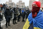 """На Институтской отряды активистов Майдана готовы защищаться от """"Беркута"""""""