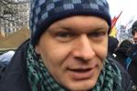 Положинский чистит снег возле Лядских ворот на Майдане