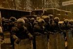 """Как бойцы внутренних войск """"зачищают"""" центр Киева"""