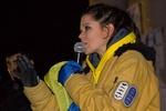 На Майдане Руслана заряжает митингующих энергией