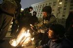 Ночь на Майдане прошла спокойно: люди спали и слушали песни