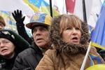 Более пяти тысяч человек продолжают митинговать на Евромайдане