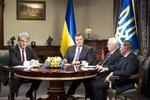 "Янукович назвал ""несладкими"" встречи с экс-президентами"