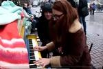 Что играют на пианино возле Киеврады