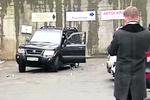 В Киев возвращаются лихие 90-е: на джипы нападают с топорами, а на ломбард – с пистолетом