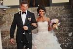 Санта Димопулос продает свадебное платье