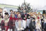 Янукович навестил детдом в день Святого Николая