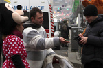 На Майдане начали брать деньги за фото на фоне баррикад