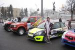 В центре Харькова припарковались автомобили-чемпионы