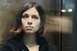 Надежда Толонникова из Pussy Riot вышла на свободу