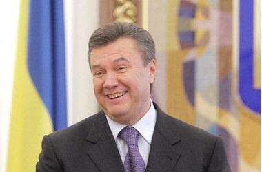 Украина .    Примьер Азаров советует украинцам больше думать о стране, а не о еде
