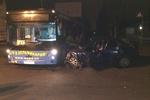 В Донецке легковушка врезалась в автобус с людьми, один человек погиб