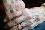В днепропетровской семье убийц и грабителей внук зверски расправился с 87-летней бабушкой