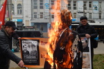 В Крыму сожгли чучело Бандеры