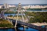 """Пьяный киевлянин """"застрял"""" на Московском мосту"""