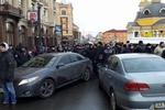 """""""Титушки"""" автобусом перегородили дорогу колонне Автомайдана"""