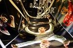 """Участники церемонии вручения """"Золотого мяча"""" помянут Манделу и Эйсебио"""