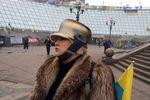 Украинцы вышли на улицы с кастрюлями на головах