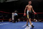 Украинский боксер Иван Редкач в США победил Тони Луиса