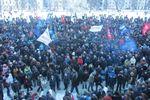 В Хмельницком активисты захватили облсовет и заставили депутатов подписать обращение к президенту