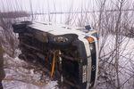 Одессу замело: из снега вызволили 20 фур и два автобуса с пассажирами