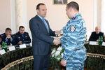 Беркутовца, который пострадал во время операции по поимке Дикаева, наградили квартирой